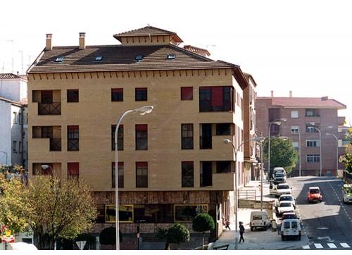 Calle Santa Bárbara, Viviendas y Locales en calle Santa Bárbara (Toledo)