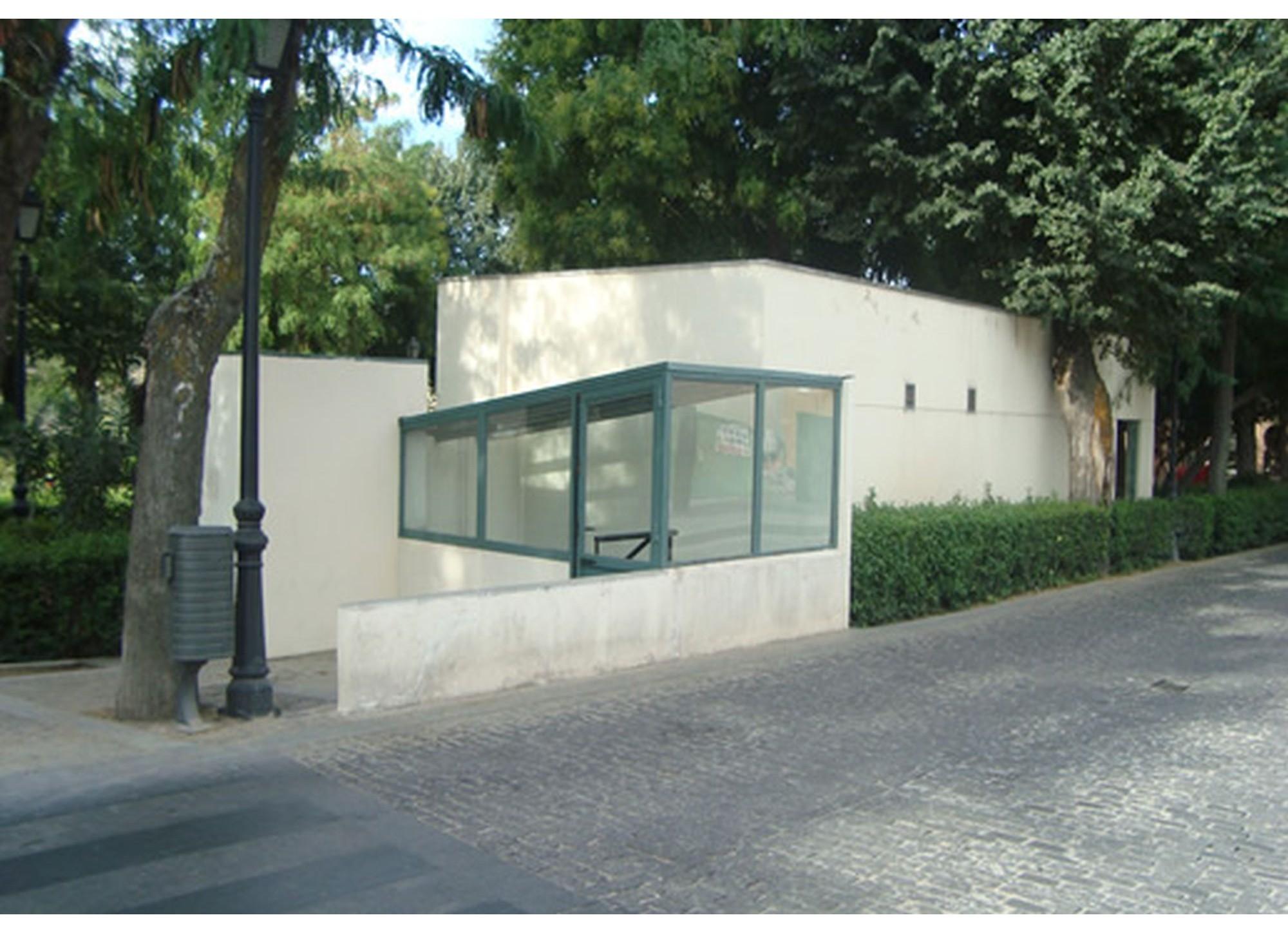 Parque del Tránsito, Aseos públicos en parque del tránsito (Toledo)
